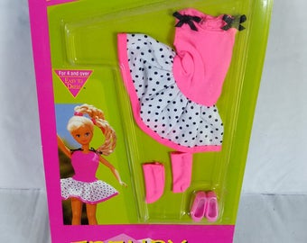 Mattel Barbie dolls clothes, New in package Skipper Doll clothes, Trendy Teen Skipper Clothes