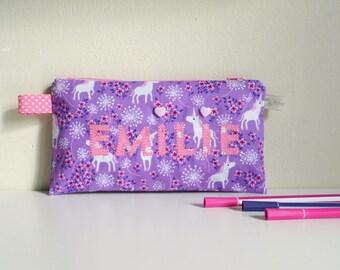 Trousse école fille brodée prénom Emilie violet rose licorne trousse écolier personnalisable cadeau enfant personnalisable anniversaire