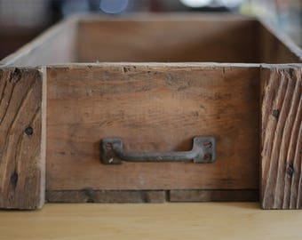 primitive wood box with handle