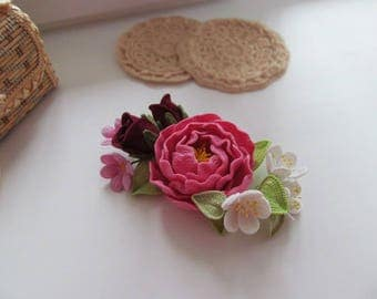 Peony-Knitted two colors patchwork brooch