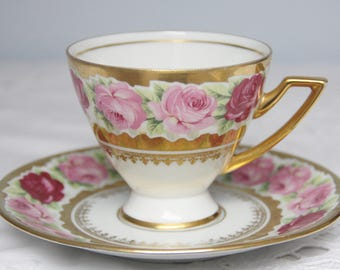 Rare Vintage Bavaria Waldershof 'Rosenkavalier' Cup ad Saucer, Pink and Red Rose Decor, 22 Kt Gold, Germany