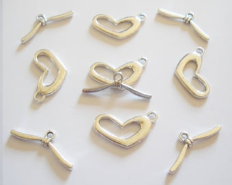 4 heart shaped toggles clasps