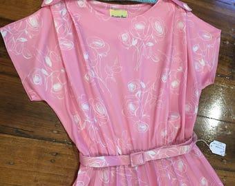 Sale - Pretty pink vintage dress