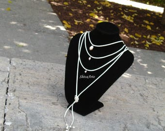 Collar Choker con perlas