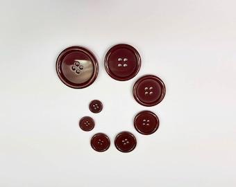 Button 4 Hole Maroon