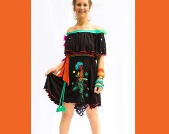ROBE ÉPAULES NUES-robe noire-bambou-robe brodée et perlée-robe volants-robe confortable-style sortie de plage-pailette-couleurs-perles
