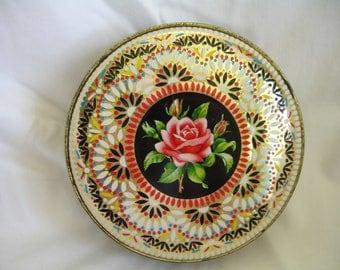 Vintage round tin box made in england,english tea or biscuits tin,round metal tin,english rose pattern,eiorpean style round tin cookie can