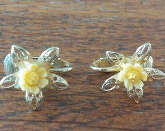 Tiny Yellow Flower With Gold Tone Leaves Clip on Earrings
