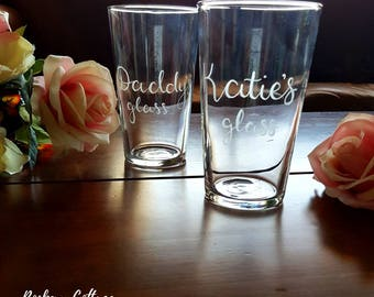 engraved pint plass, personalised pint glass, beer lovers gift, beer drinker, birthday gift, custom glasses, gifts for men, hand engraved