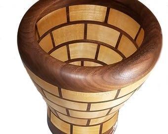 Maple/Walnut vase