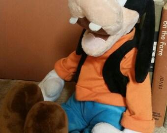 "Vintage Walt Disney's ""Goofy"" 15 Inch Plush Toy/Exclusive Disney Store Plush/Missing Hat/Nursery/Kid's Room/Baby Shower Decor/Photo Prop"