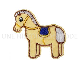 Patch, badge fusible horse to sew or iron 83 x 80 mm
