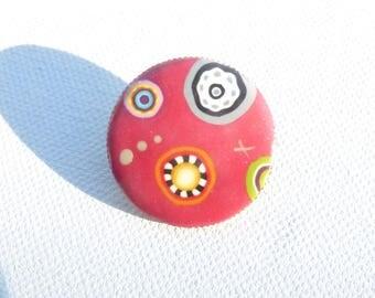 "Small brooch, polymer clay ""raspberry"" patterns"