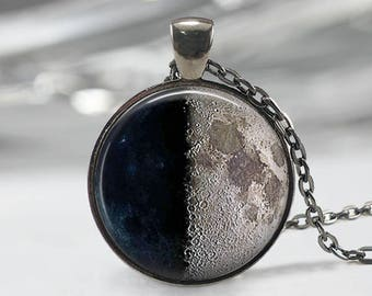 First Quarter Moon Necklace,Moon Jewelry, Moon Phase Pendant, First Quarter Moon Keychain, Moon Phase Gift