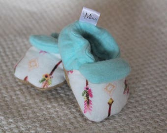 Capped Arrow Handmade Soft-Soled Baby Booties