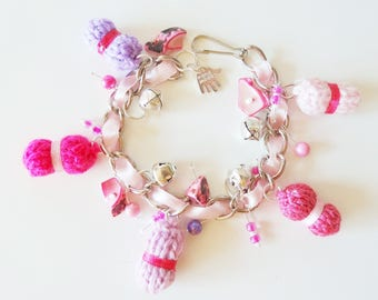 charm bracelet chain shades of pink with small balls of yarn 19.5 cm