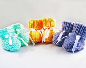 Slippers booties baby child birth knitting fact hand 4 color choices / Baby Birth Slippers Had Made Knit 4 Colours to choose
