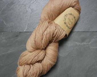 Naturally dyed Merino Wool