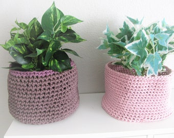 basket, planter, hand-made in crochet with recycled cotton yarn