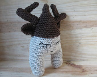 little cuddly Pyramidos caribou completely hand crocheted with 100% cotton yarn