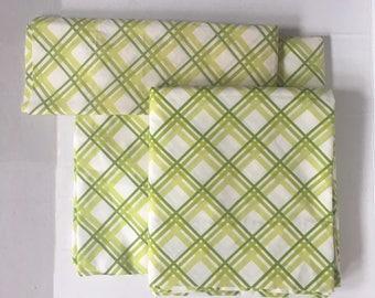 Vintage Spring Green Lattice Twin Sheet Set and Sham