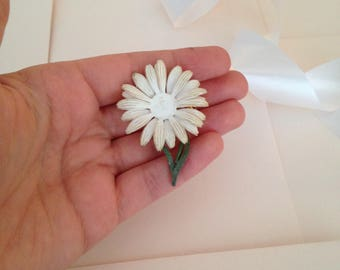 Retro Flower Brooch - Daisy Brooch - Daisies - White Flower - Flower Pin - Flower Girl - Vintage Brooch - Spilla Vintage - White and Green