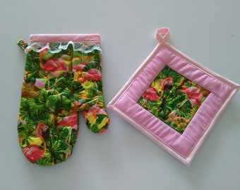 Quilted Flamingo Oven Glove and Matching Pot Holder Set, Oven Mitt, Pot Holder, Tropical Decor, Mother's Day Gift