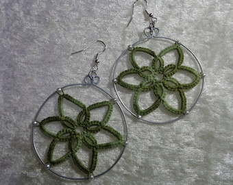 Tatting variations of colors and beads earrings