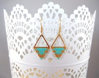 Earrings are made of black Miyuki Mint ★