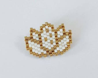 Brooch lotus flower in pearls miyuki