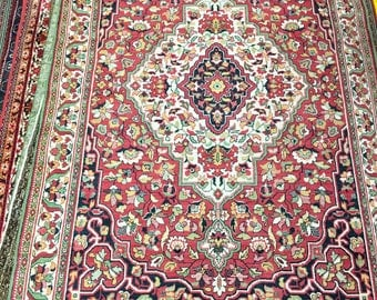 Home carpet rug 100% wool oriental pattern red and green color warm rug old heavy rug retro style suitable for government and restaurant.