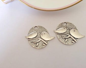 Set of 2 oval - pair - silver plated charm