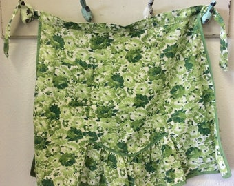 1950's green apron/vintage green apron with flowers
