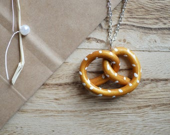 Pretzel necklace - 4 cm - Alsace necklace - necklace - fimo - Alsace gift necklace - girl souvenir Alsace