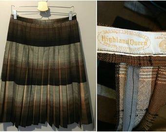 Vintage 1970s Highland Queen Brown Wool Pleated Skirt - Size 8
