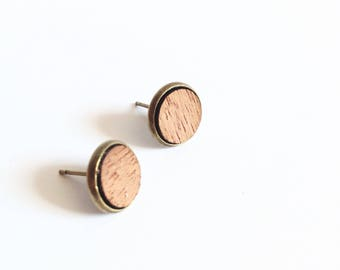 "Chip to ear ""Ieko"" circle of mahogany wood"