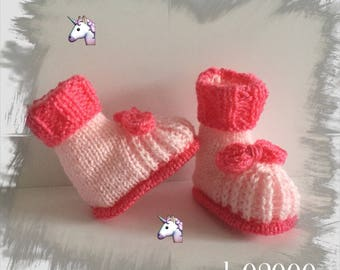 Baby booties (0/3 months) baby specially designed for baby, pink decor bows