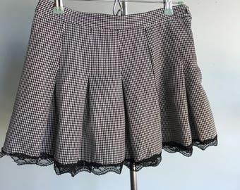 Vintage sz M checkered skirt