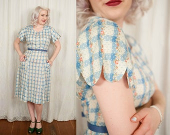 Early 1940s House Dress with Rose Print - Large