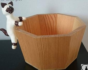 large planter model cat pot