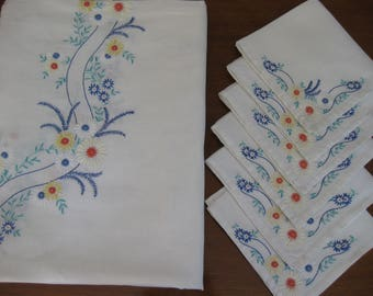 Colorful Embroidered tablecloth & 6 Matching Napkins