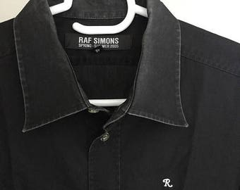 FALL WINTER SALES Stunning Raf Simons Ss 2005 R Logos Black Minimalist Button Up Shirt Unisex Medium Made in Italy World Famous Designer