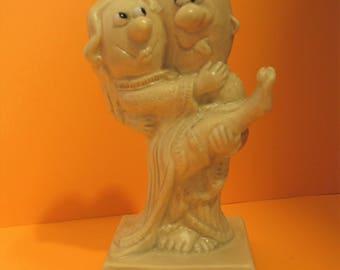 Russ Berrie HAPPY ANNIVERSARY Resin Figurine Wallace Berrie