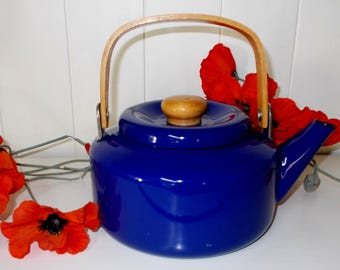 1970's Cobalt Blue Enamel Kettle with Wooden Handle.   (5531)