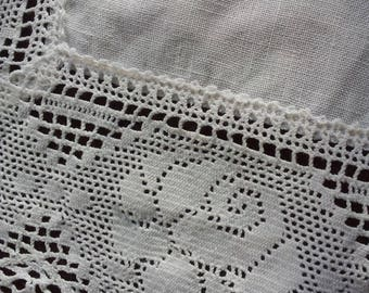 Vintage white hand crochet lace doily with linen inserts.Home decor.1970's