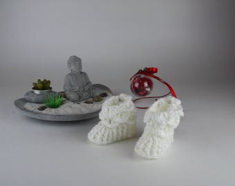 White slippers for baby from 0 to 6 months