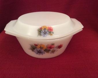 Arcopal Flower Pattern Casserole Dish 2.5 litre circa 1970