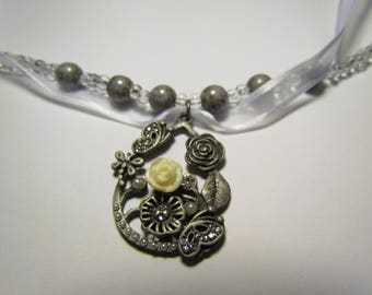 Clear Gray Flower Necklace Bracelet Set
