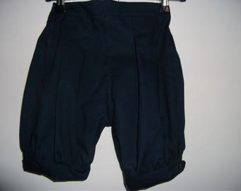 Short navy blue ball for this summer
