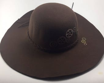 Brown hat made of felt, a steampunk hat, an hat for autumn, a warm hat, a hat made of wool